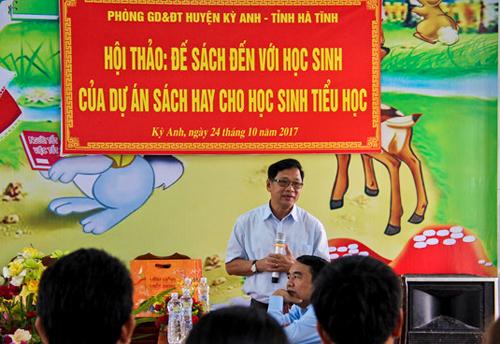 Trao tặng 6.000 đầu sách cho học sinh Hà Tĩnh - 2