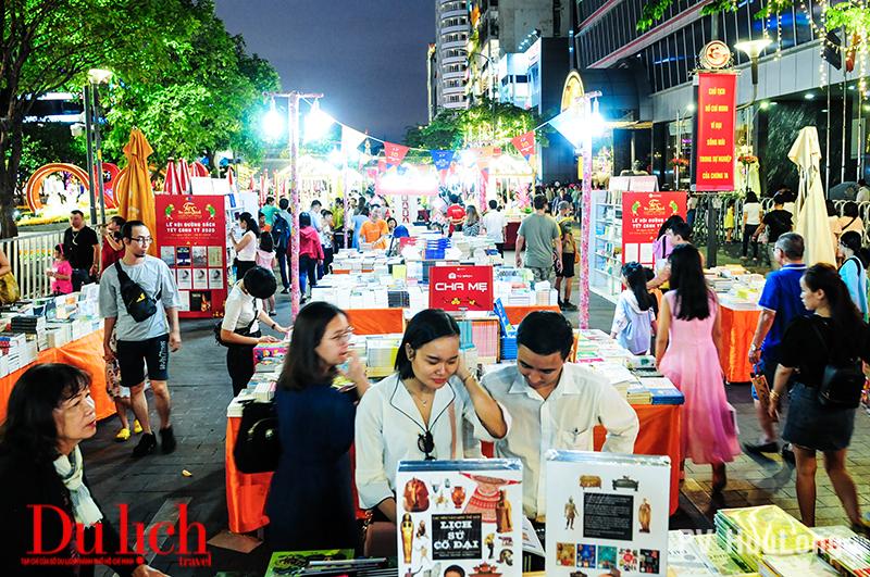 Hơn 100 vạn lượt khách du hội Đường hoa Xuân Canh Tý 2020 - 5