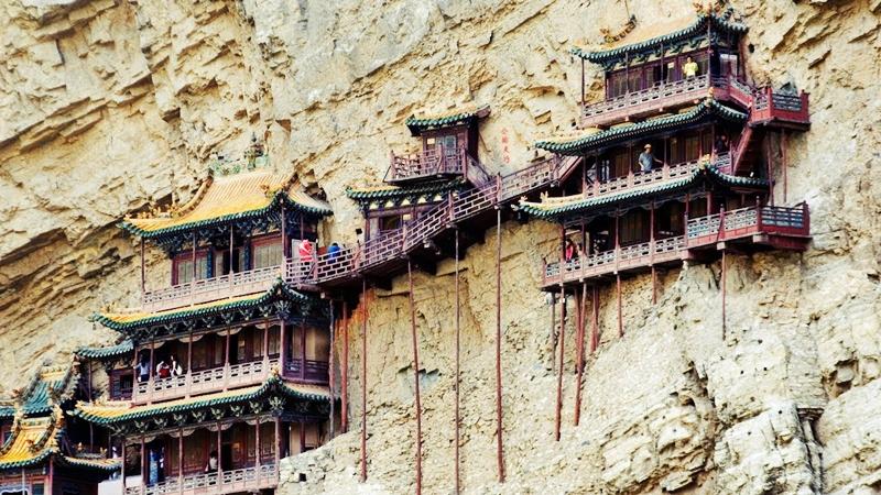 Bí ẩn ngôi chùa huyền bí ngàn năm được treo trên vách núi cao - 2