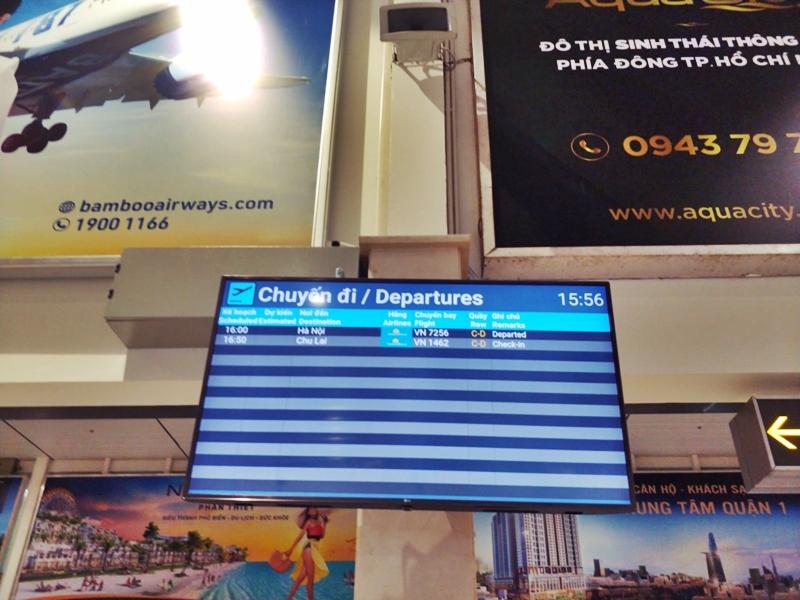 Hôm nay, các chuyến bay thương mại đầu tiên đã cất cánh trở lại - 4